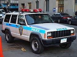 Suicidio de tres agentes policiales preocupa a Policía Metropolitana de Nueva York