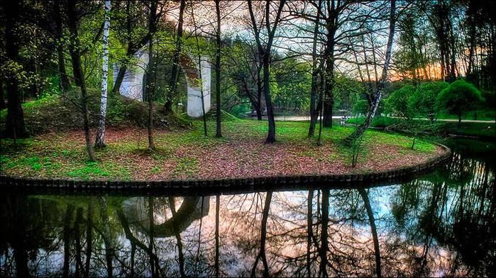 Царицыно. Русалкин остров с аркой-руиной/3673959_6 (700x393, 86Kb)