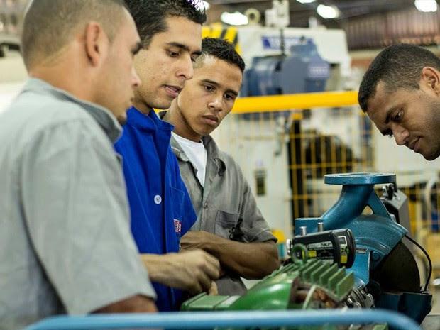 Cursos de qualificação profissional garante formação e acesso à emprego em Pitimbu (Foto: +Consultoria Social/Arquivo)