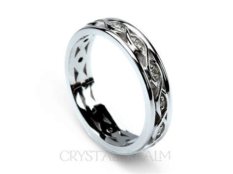 Celtic Wedding Ring: Women?s Ribbon Weave Band with
