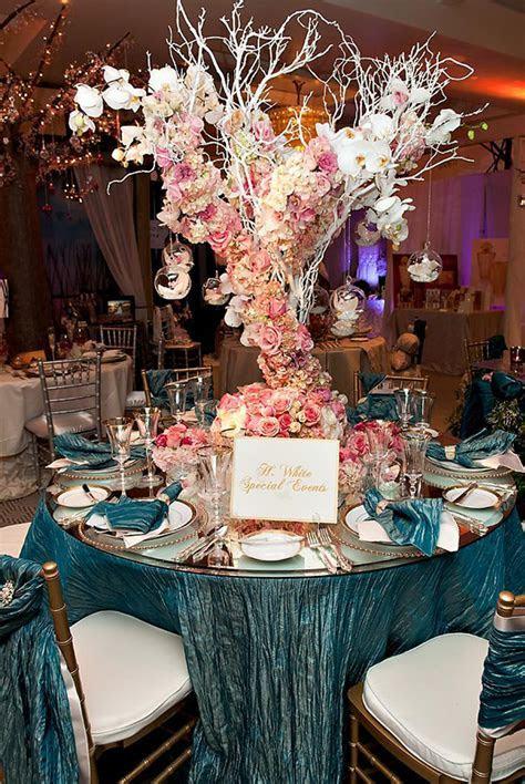 12 Stunning Wedding Centerpieces  Part 15   Belle The Magazine