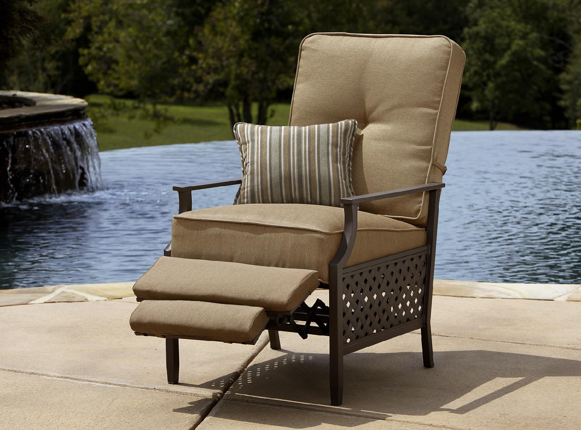 La-Z-Boy Outdoor Kennedy Recliner - Outdoor Living - Patio ...