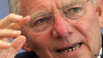 Έκκληση Σόιμπλε να μην βρει ο λαϊκισμός πρόσφορο έδαφος