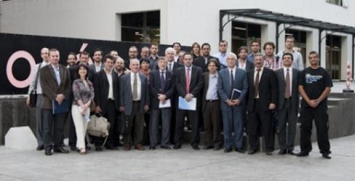 Autoridades del Ministerio de Ciencia, junto a empresarios y representantes del flamante aglomerado productivo