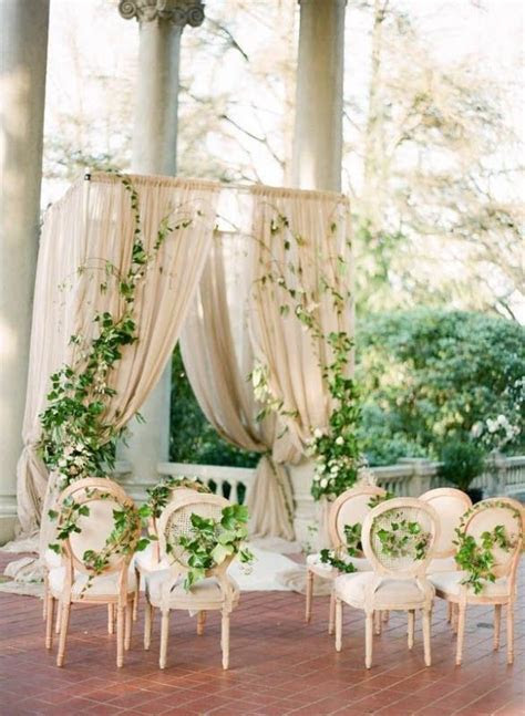 20 Romantic Botanical Wedding Ceremony Backdrops