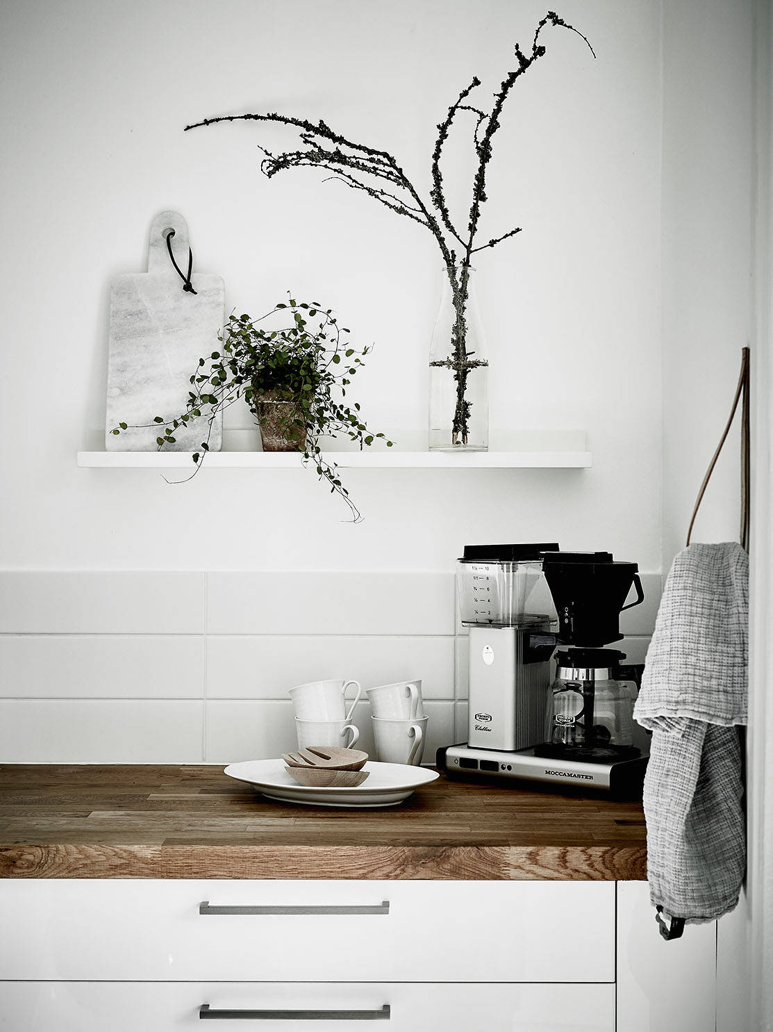 Simple and cozy home - via cocolapinedesign.com