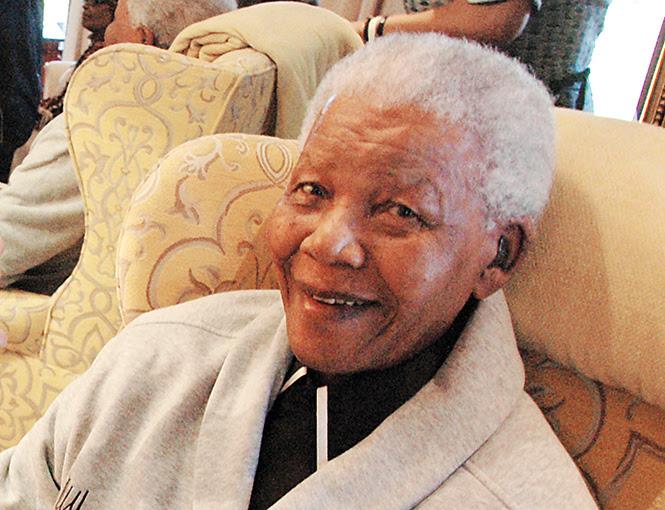La familia de Mandela presuntamente habló de desconectarlo de un respirador artificial con el que supuestamente sobrevive. Foto: AFP