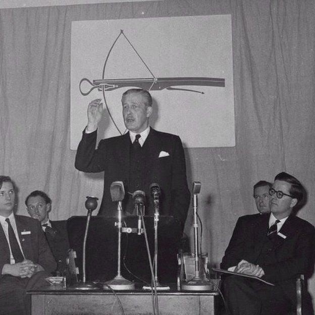 Harold Macmillan addressing the Bow Group