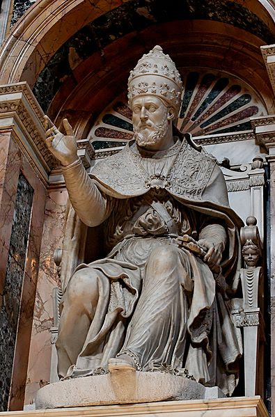 Fil: Clement VIII SM Maggiore.jpg