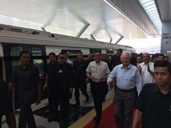 Malaysia Rapid Transit Rail Line Debuts Causeway Traffic Live Checkpoints Traffic Live