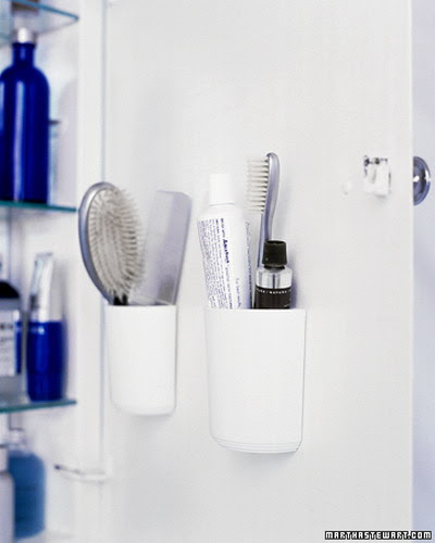 creative storage idea for a small bathroom anization photo - small ...