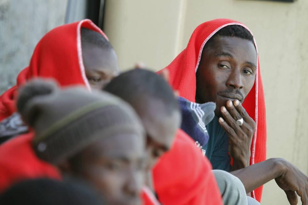 Rescate de inmigrantes a finales de junio en Tarifa.