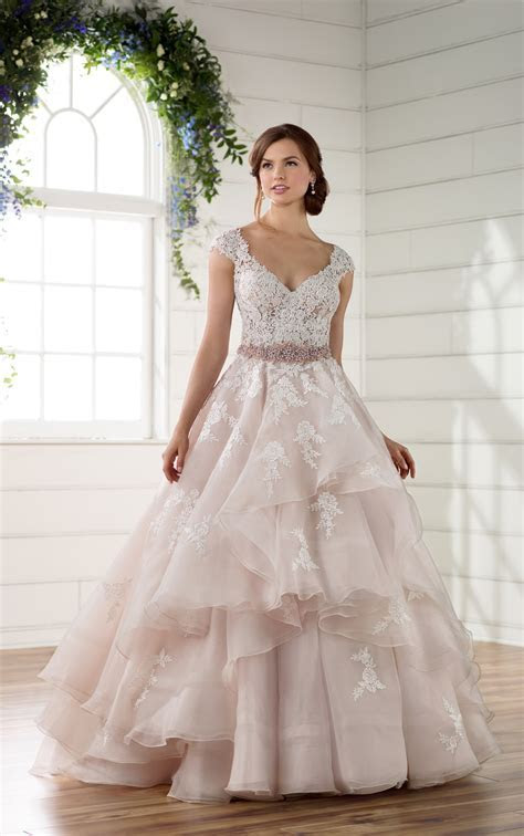 Antique Lace Wedding Dress with Keyhole Back   Essense of