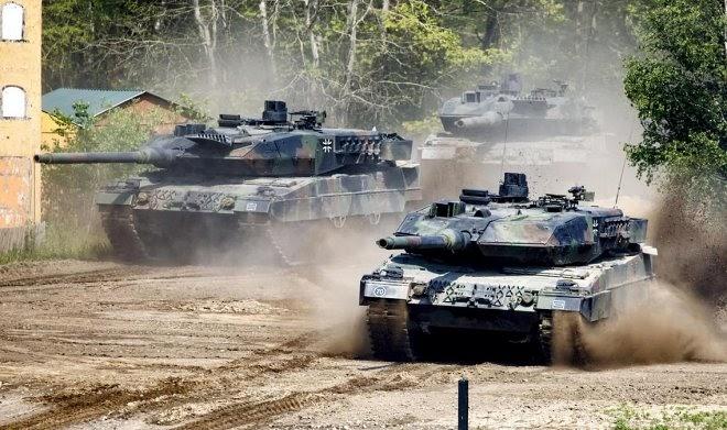 Генсек НАТО призывает создавать «более экологичные» танки с солнечными панелями