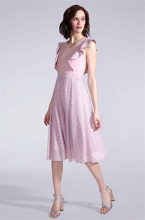 Elegant summer dress in light pink with lace   KALA