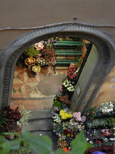 DSCN3497 _ Via Marchesana, near Albergo  delle Drapperie, Bologna
