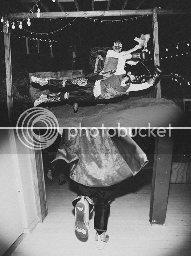 http://i892.photobucket.com/albums/ac125/lovemademedoit/welovepictures%20blog/CC_OldMacDaddy_Elgin_Wedding__119.jpg?t=1355209024