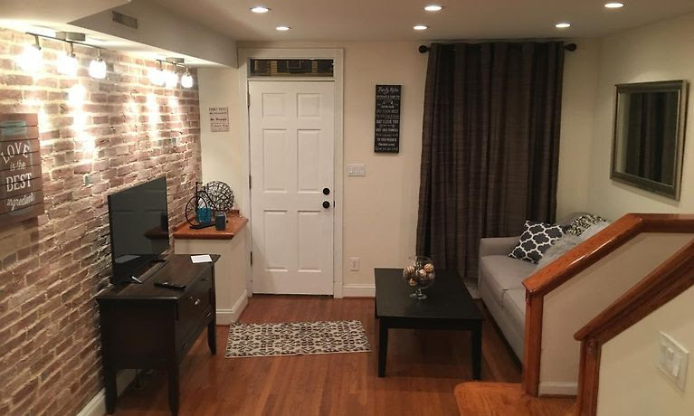 Villa Reservation At Fells Point Canton Area Classic Row House