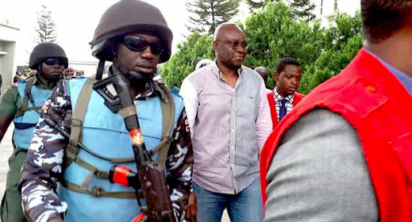 Breaking: Fayose regains freedom, leaves Ikoyi prison