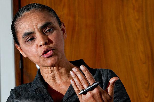 A ex-senadora Marina Silva dá entrevista à Folha no gabinete do senador Pedro Simon (PMDB-RS)