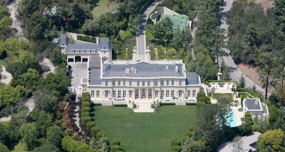fleur-de-lys-top-10-greatest-houses-in-the-world-2017