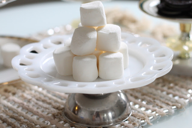 Wedding Craft: DIY cake stands made from thrifed dinnerware