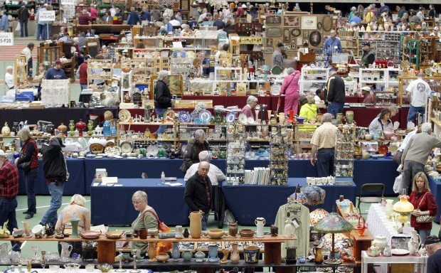 Wide-ranging treasures unearthed at UNI-Dome antique show ...