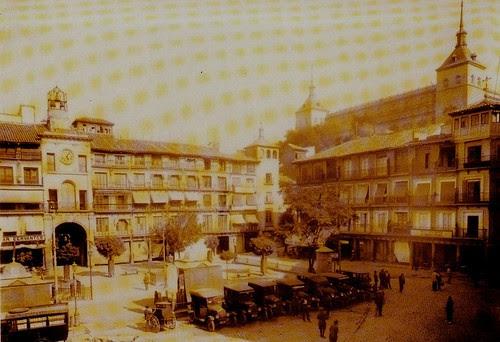 Plaza de Zocodover de Toledo hacia 1920