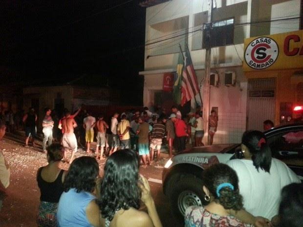 Criminosos explodem agência bancária em Matinha, MA