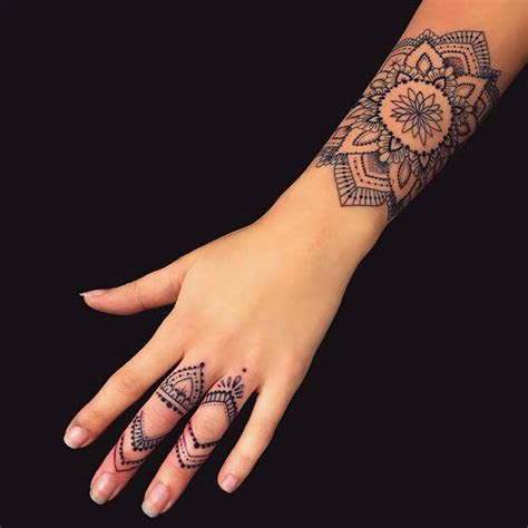 cool tattoos women youll obsessed page