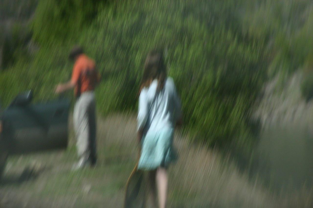 http://upload.wikimedia.org/wikipedia/commons/thumb/5/52/Girl_Walking_towards_her_Mom.jpg/1280px-Girl_Walking_towards_her_Mom.jpg