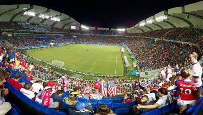 Torcidas de Gana e Estados Unidos fazem festa na Arena das Dunas (Foto: Gustavo Sousa)