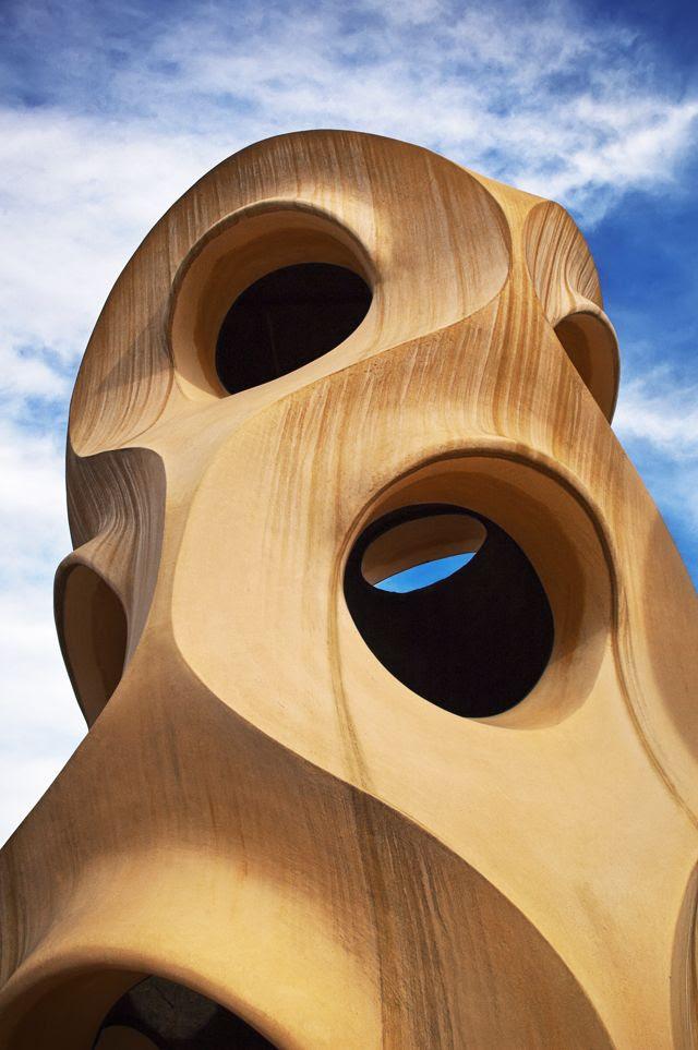 Casa Mila aka La Pedrera: Face-Like Roof Chimney [enlarge]