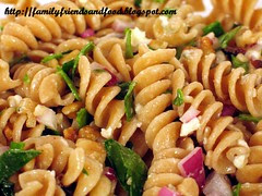 whole wheat pasta with walnuts and spinach