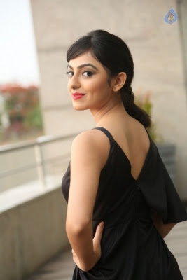 Pooja New Stills - 13 of 35