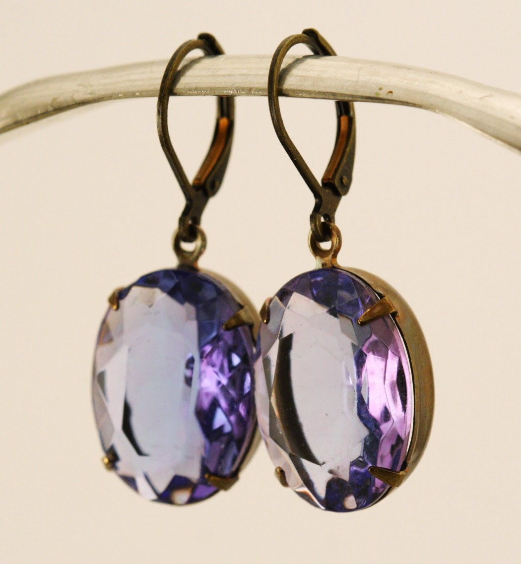 Vintage Glass Jewel Earrings - Light Amethyst