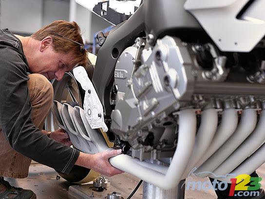 Bienvenue Au moto2france: BMW moto 2010: Le 6 cylindres