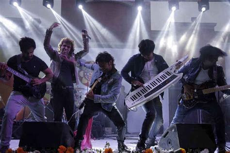 Live Bands For Weddings in Delhi   Live Band Performers in
