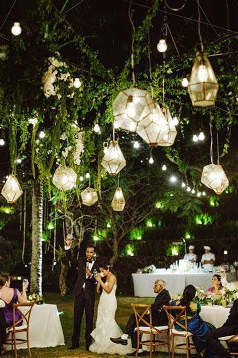 Delicate Hanging Lanterns Décor for Indoor or Outdoor