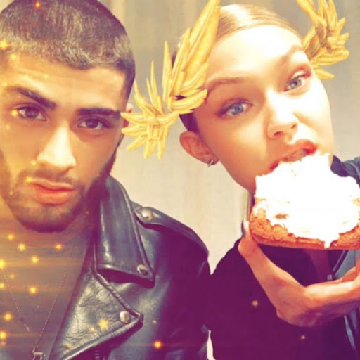 Avatar of Gigi Hadid shows her fun side in these interesting selfies; Take a look at the THROWBACK PHOTOS