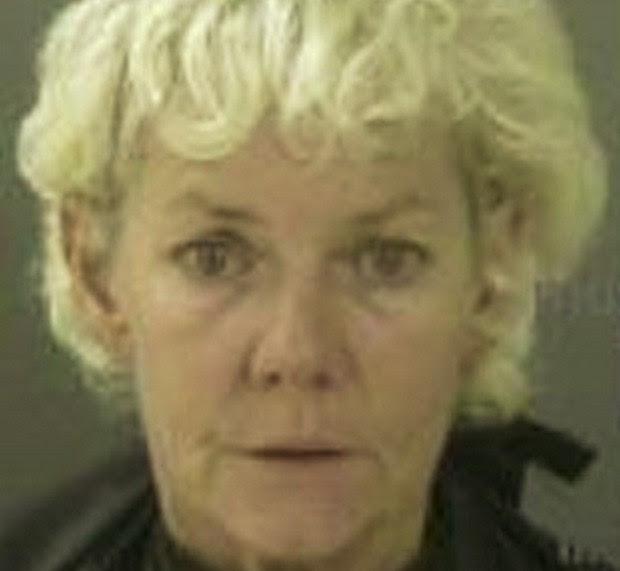 Brenda Schumann urinou e defecou pela casa, antes de começar quebra-quebra ao descobrir traição (Foto: Divulgação)