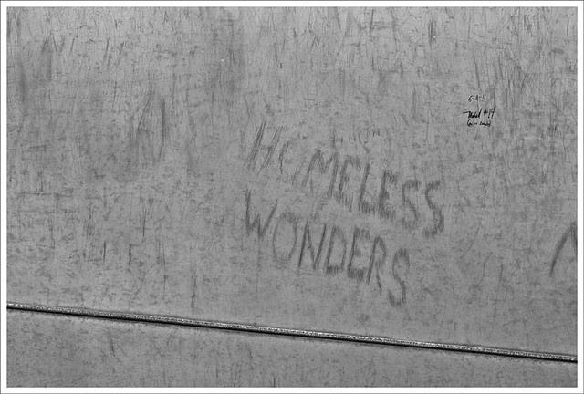 Arch 2011-06-12 4 (Homeless Wonders)