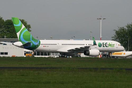 ECAir 757 Paris