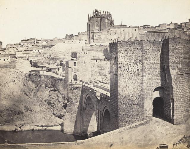 Puente de San Martín antes de 1864. Fotografía de Jean Laurent