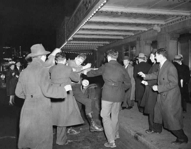 American Nazi fights New York