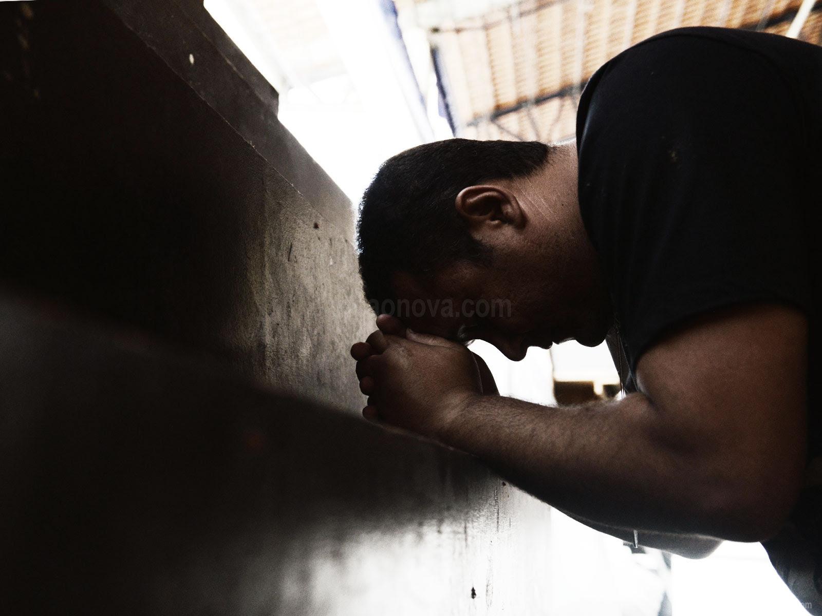 A Oração De Renúncia Afasta O Mal