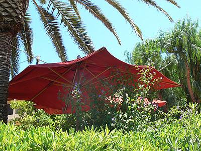 parasol rouge.jpg