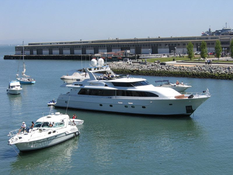 Buying yachts is consumption, not wealth (Eric Molina)