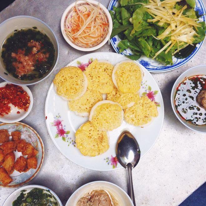 10 món ăn vặt ở xứ 'hoa vàng cỏ xanh'