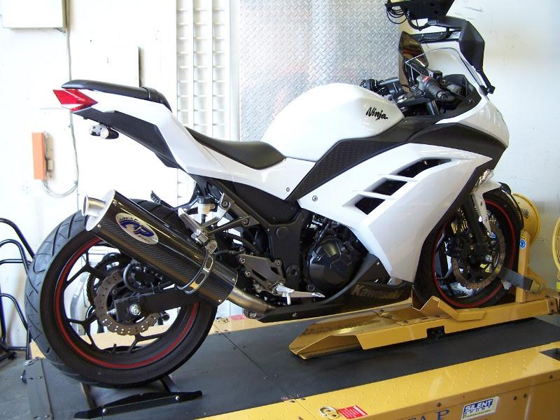 Kawasaki Ninja 300 Slip On Exhaust Area P No Limits